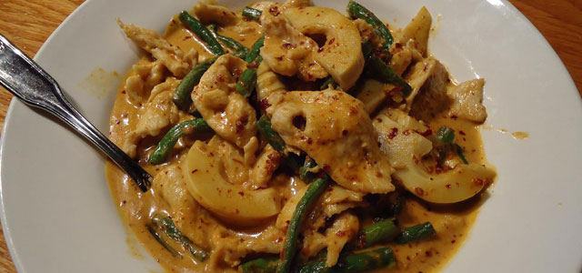 panang-curry-640x300
